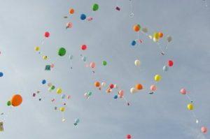 flying-balloons-1-1487531